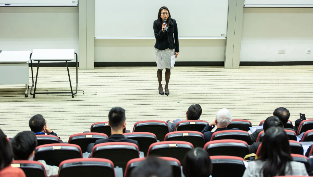 北京会议演讲培训(学习口才需要用多久)