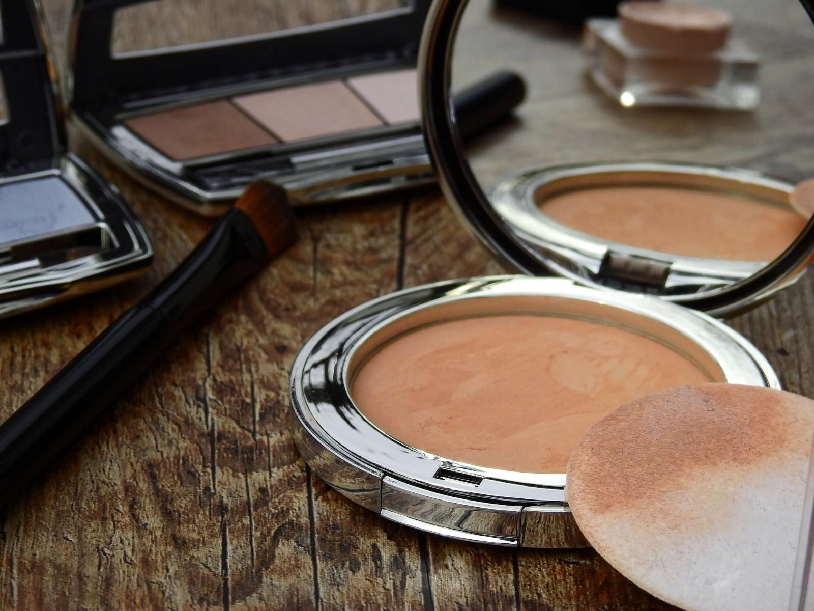 西安化妆师培训学费要多少(化妆行业的好处)