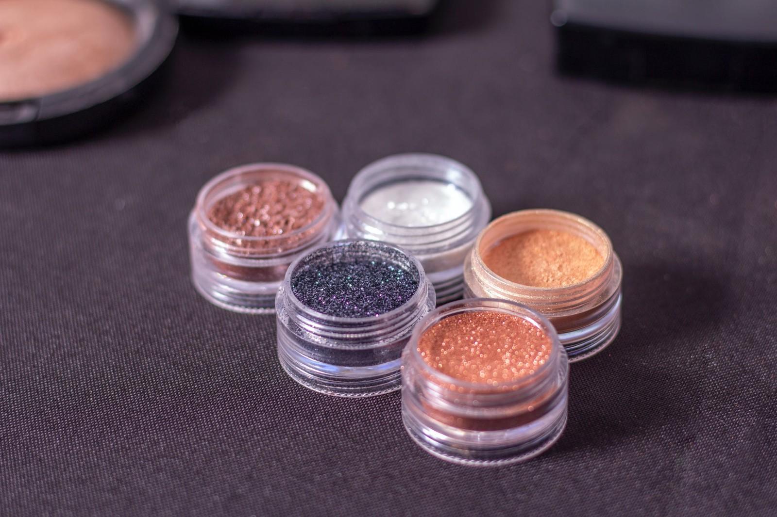 西安学化妆培训班机构(化妆美容的行业发展对象)