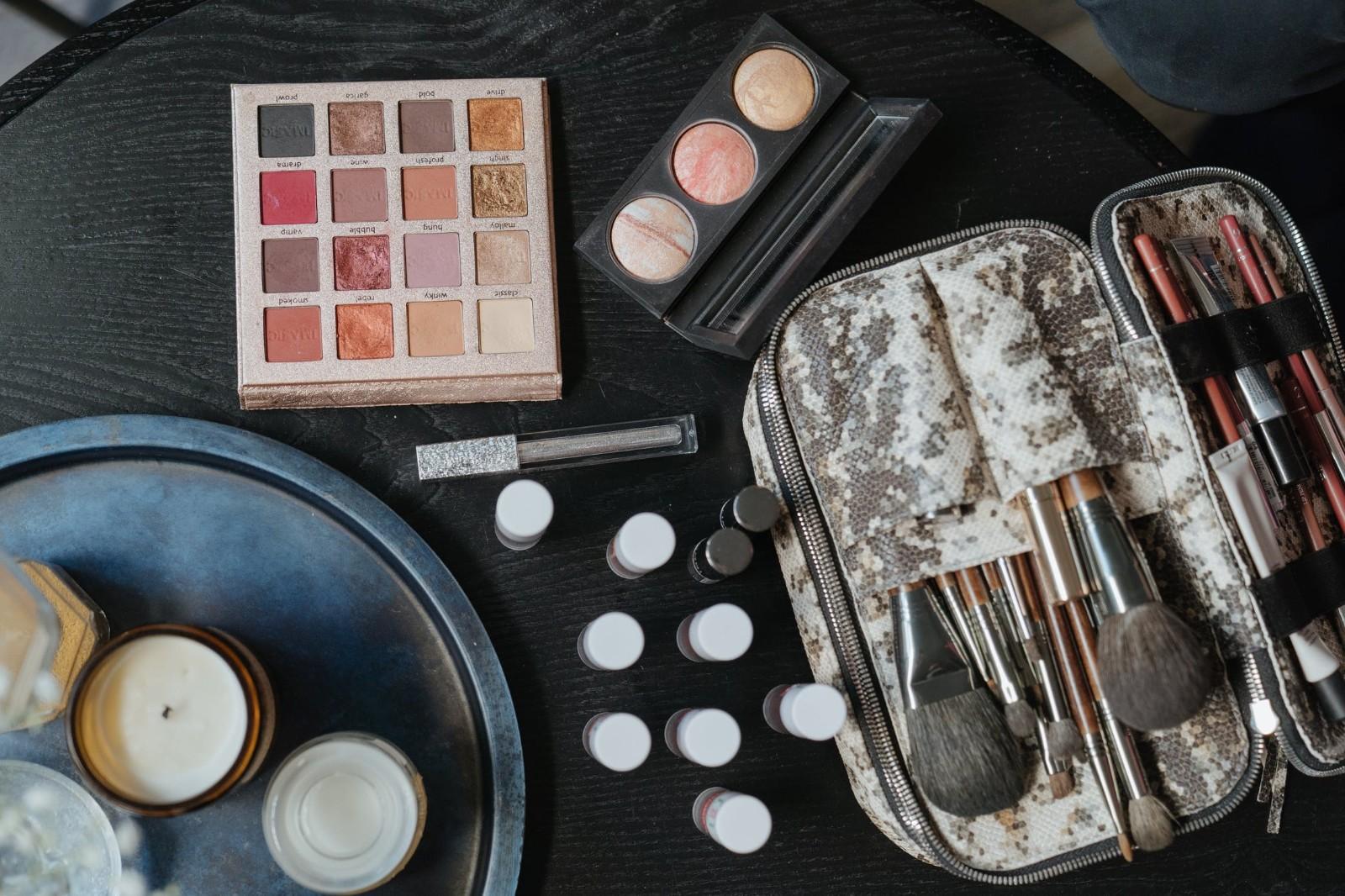 北京化妆学校培训学费(化妆的正确步骤)