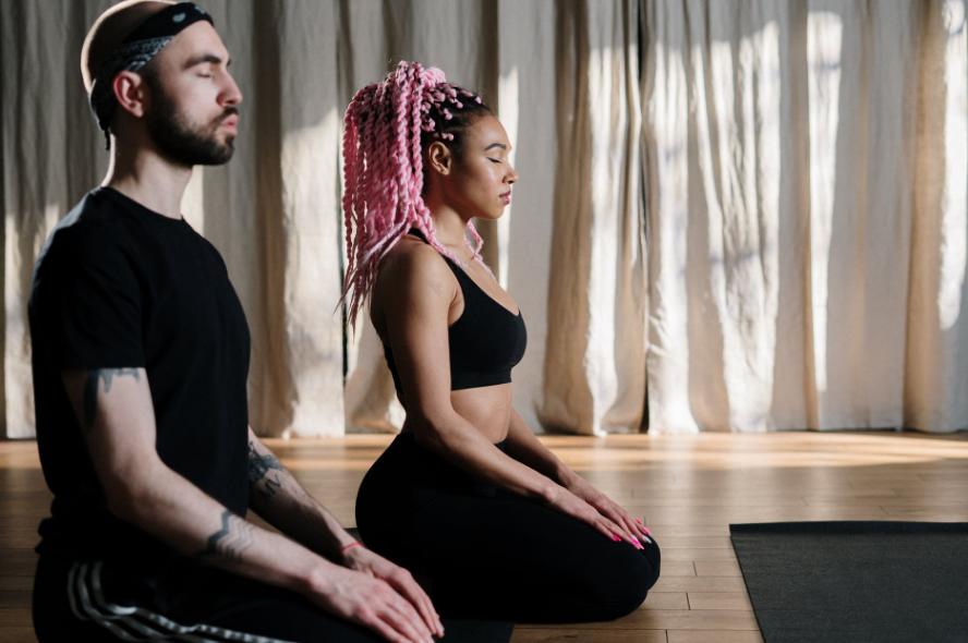 北京哪里瑜伽培训好(如何学习瑜伽教练)