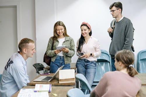 石家莊考研在職研究生培訓班(考研為什么會出現低年級化趨勢)