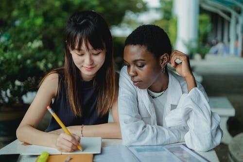 合肥出国读研留学中介(加拿大高中留学的优势)