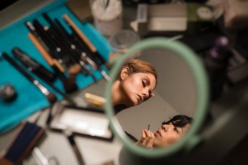 杭州那个化妆培训班比较好(网络营销的前景如何)