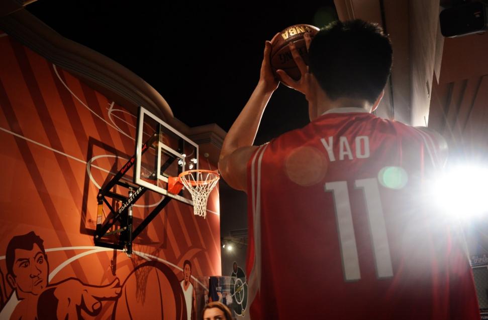杭州哪里招篮球培训老师(为什么要让学篮球)